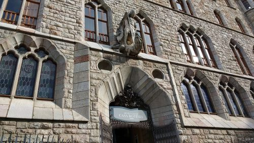 カサ・ボティネスの像