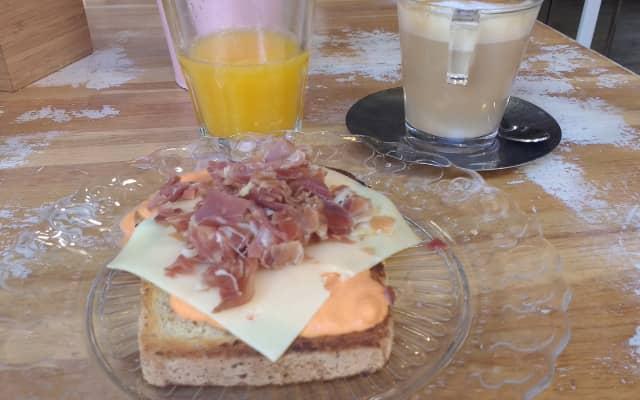 マラガの朝食