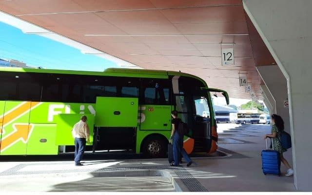バス発着場所