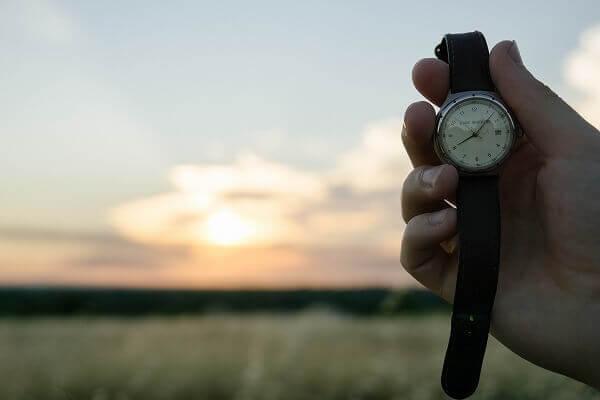 時計の時間を切り替え