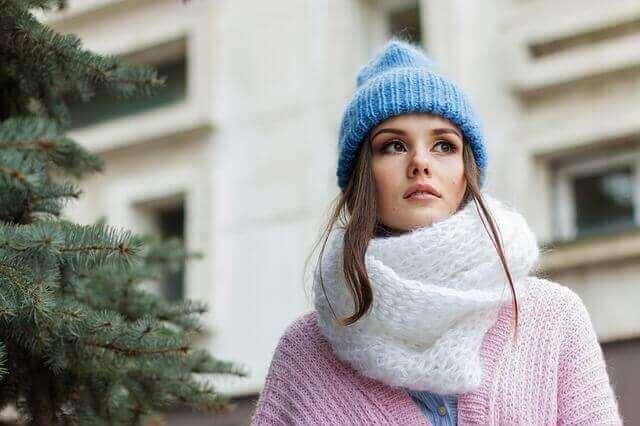 冬のスペイン旅行女性