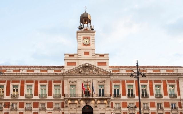 マドリードのソル広場(プエルタ・デル・ソル)の時計台