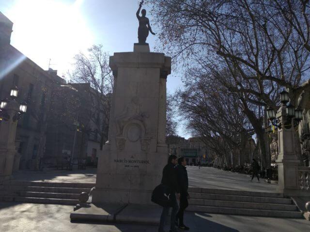 フィゲラスのランブランス広場