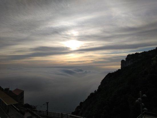 モンセラット早朝の風景