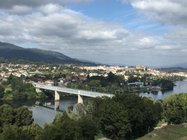 ポルトガルの道ポルトガルとガリシアの国境ミニョ川