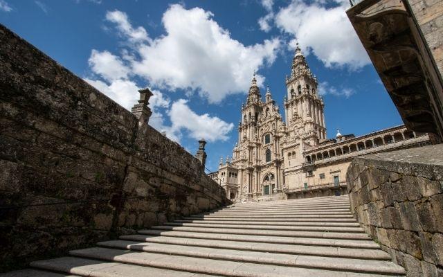 サンティアゴ大聖堂と階段